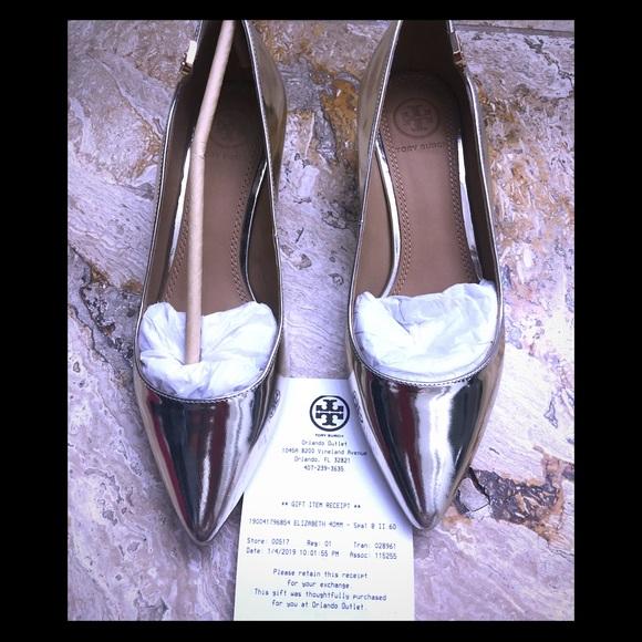 246aabfac6a259 BNW Gold 6M Tory Burch kitten heels